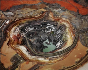 Silver Lake Operations #1, Lake Lefroy Western Australia (2007) by Edward Burtynsky, via Flowers East
