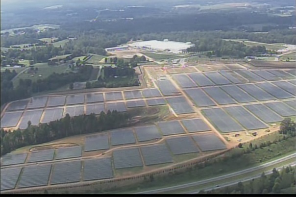 Apple iCloud data center with solar power park ©WCNC-TV